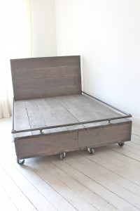 Kingsize bed with storage drawers in the base